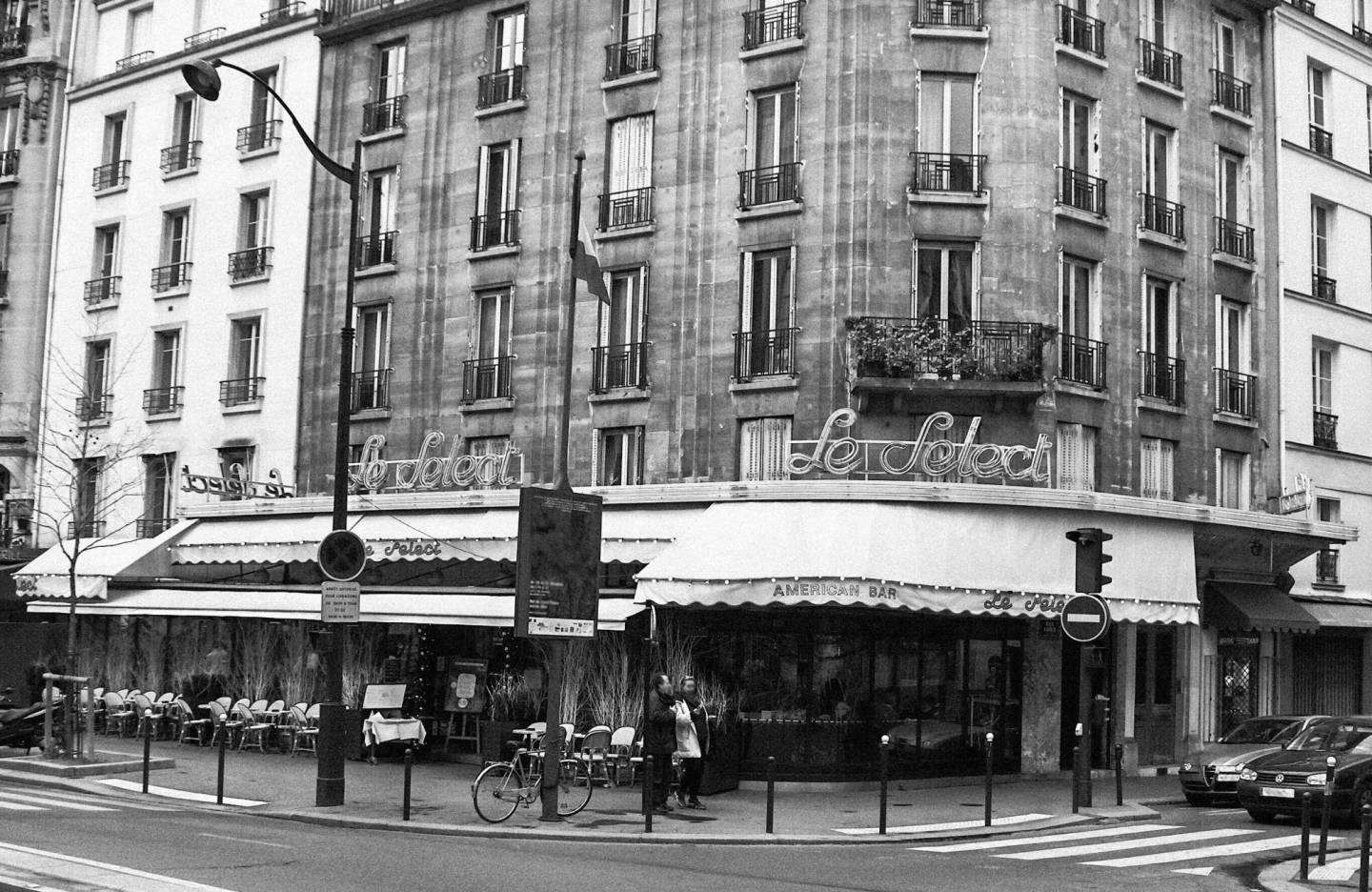 Lindsay Short-form | The Lost Generation; Cafes in Paris | Le Select (brasserie)
