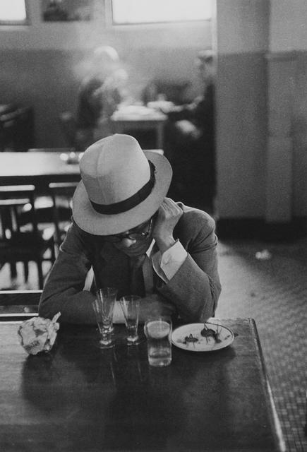 Lindsay Photo Essay | Ihei Kimura's Intimate Observations | Asakusa, Tokyo, 1953. Photo by Ihei Kimura.