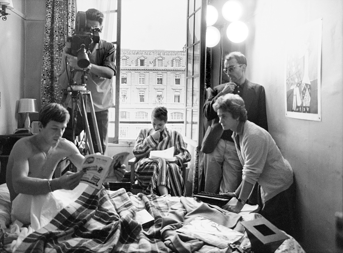 "Lindsay Film Review | Breathless (À Bout de Souffle): Jean-Luc Godard's New Wave Ode to Youth | Behind the scenes in ""Breathless,"" (1960)"