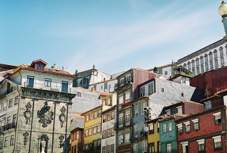 Lindsay | The Romance of Porto's Old Accidental Beauty | Photo by Olga Kotnowska